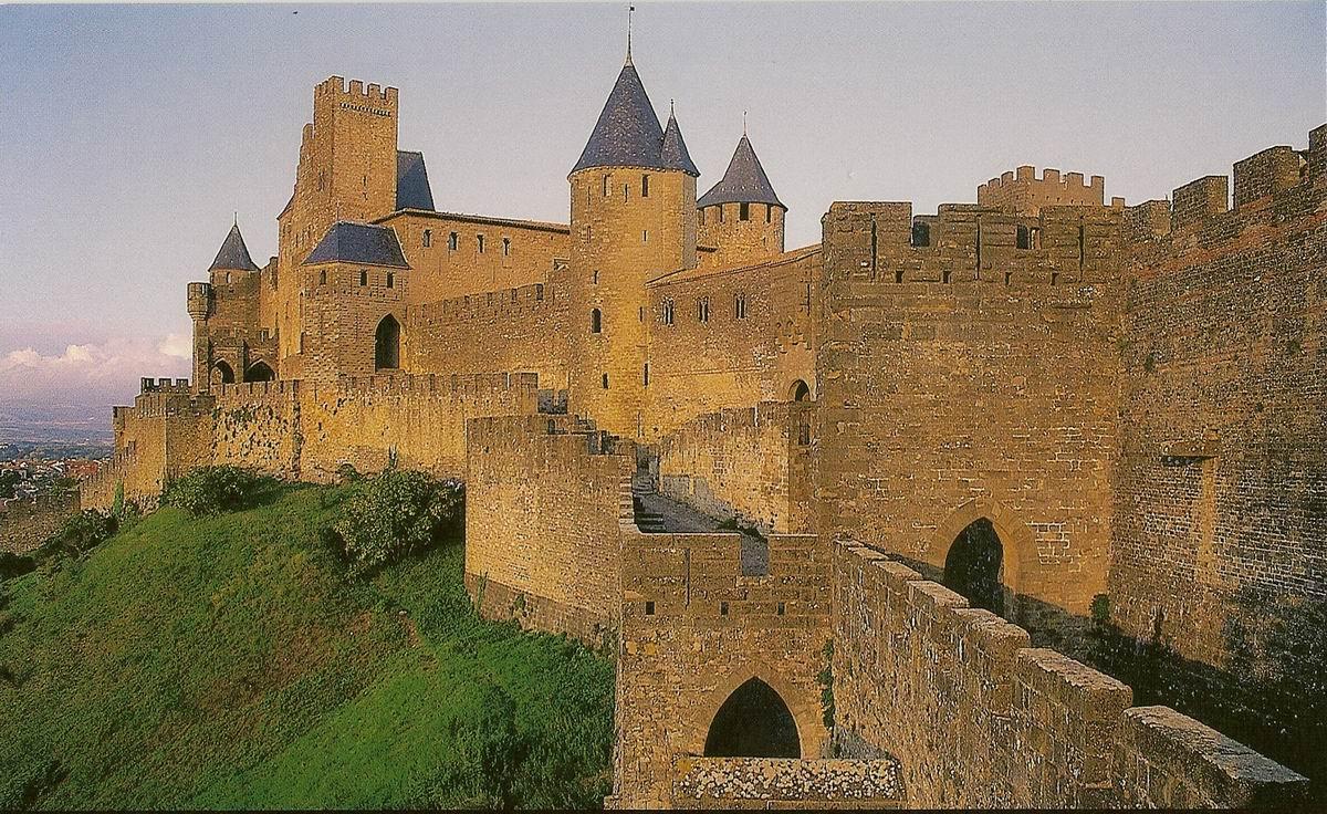 Carcassonne%20-%2009%20-%20Porte%20d'Aude%20et%20Chateau%20comtal%20(19)