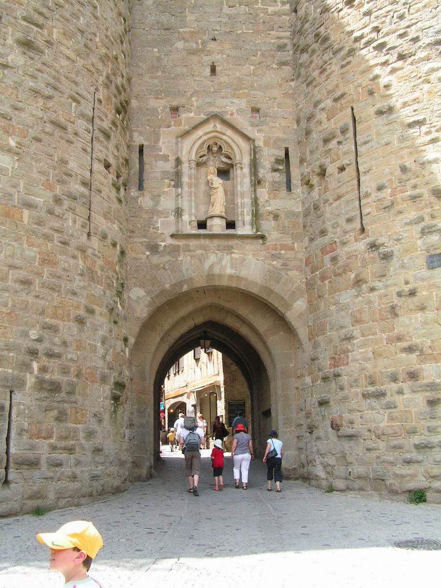 Carcassonne la cit tours et porte narbonnaise for Porte narbonnaise