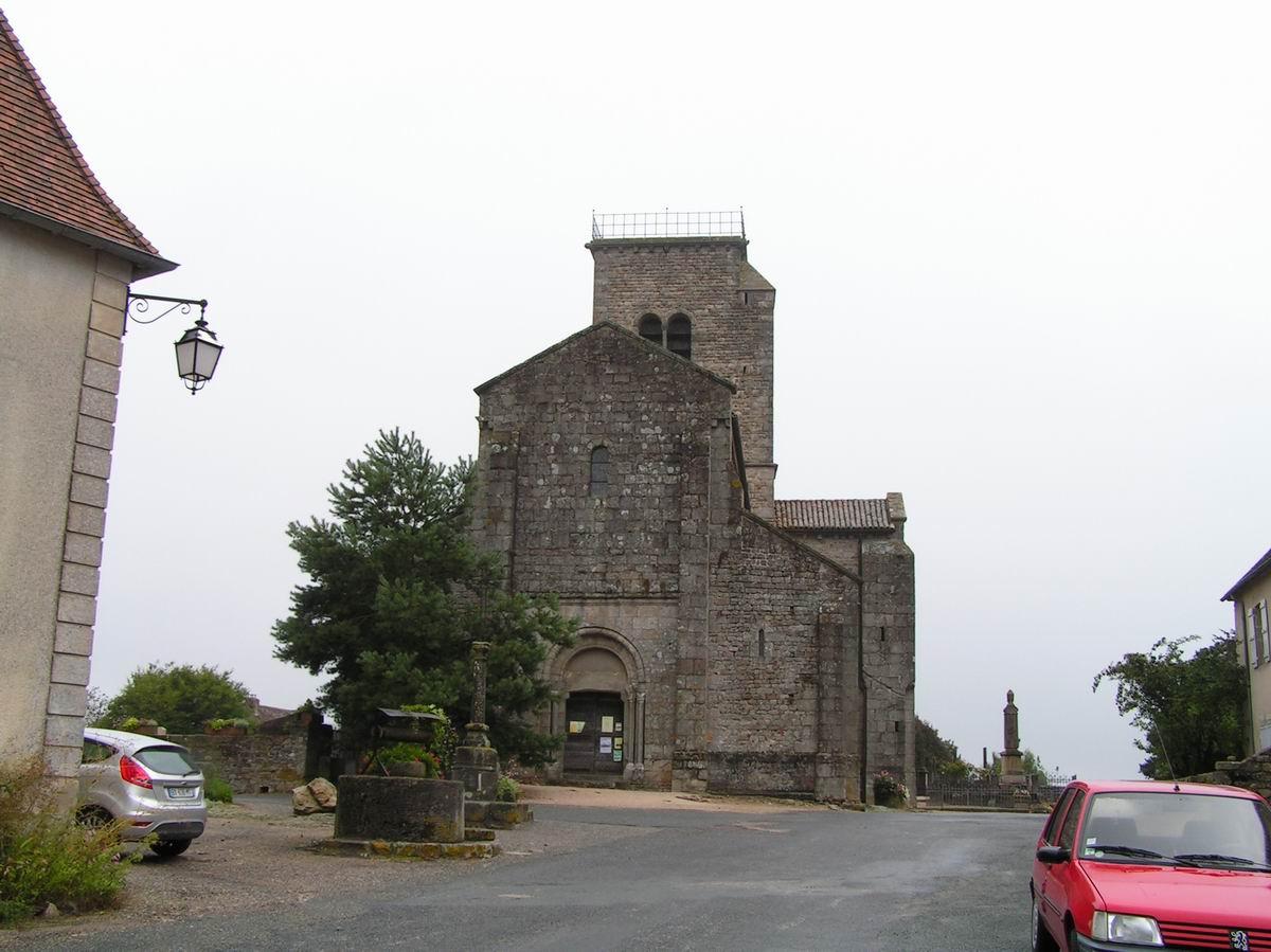 France saone et loire gourdon eglise for Eglise romane exterieur